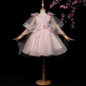 Schöne Rosa Mädchenkleider 2017 Ballkleid Spitze Blumen Applikationen Strass Rundhalsausschnitt Rückenfreies Unique 1/2 Ärmel Kurze Kleider Für Hochzeit