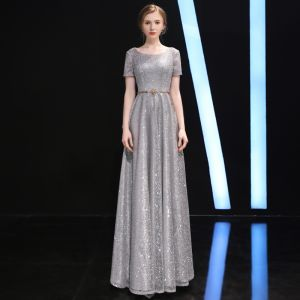 Sparkly Grey Evening Dresses  2018 A-Line / Princess Scoop Neck Short Sleeve Glitter Tulle Metal Rhinestone Sash Floor-Length / Long Ruffle Backless Formal Dresses