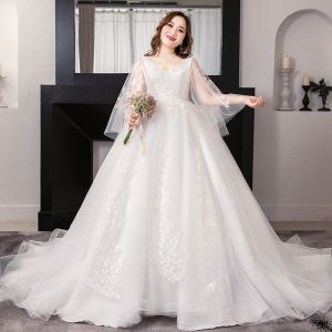 Amazing / Unique White Plus Size Ball Gown Wedding Dresses 2019 V-Neck Lace Tulle Appliques Backless Beading Embroidered Chapel Train Wedding