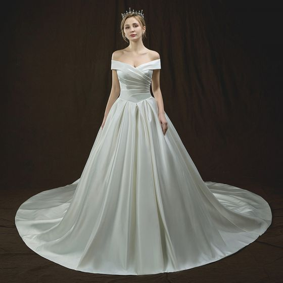 Modest / Simple Ivory Wedding Dresses 2018 A-Line / Princess Off-The-Shoulder Short Sleeve Backless Cathedral Train Ruffle
