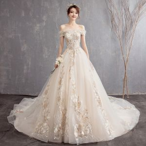 Affordable Champagne Wedding Dresses 2019 A-Line / Princess Off-The-Shoulder Short Sleeve Backless Lace Appliques Chapel Train Ruffle
