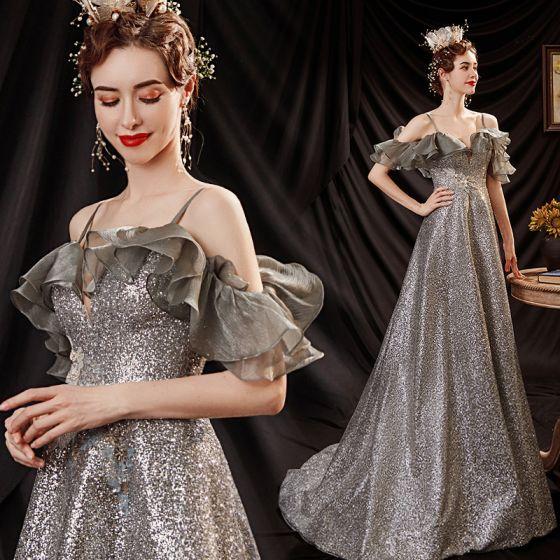 Glittrande Silver Glittriga / Glitter Paljetter Balklänningar 2021 Prinsessa Spaghettiband Spets Blomma Korta ärm Halterneck Svep Tåg Formella Klänningar