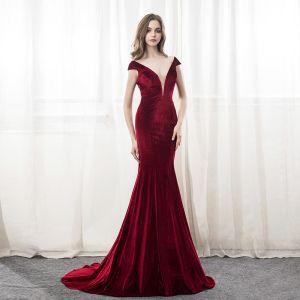 Chic / Beautiful Burgundy Evening Dresses  2018 Trumpet / Mermaid V-Neck Backless Court Train Formal Dresses