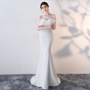 Chic / Beautiful White Evening Dresses  2017 Trumpet / Mermaid Bow Backless Sweetheart Sleeveless Sweep Train Formal Dresses