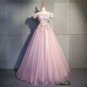 Stylowe / Modne Rumieniąc Różowy Sukienki Na Bal 2019 Suknia Balowa Przy Ramieniu Kótkie Rękawy Aplikacje Kwiat Perła Rhinestone Długie Wzburzyć Bez Pleców Sukienki Wizytowe