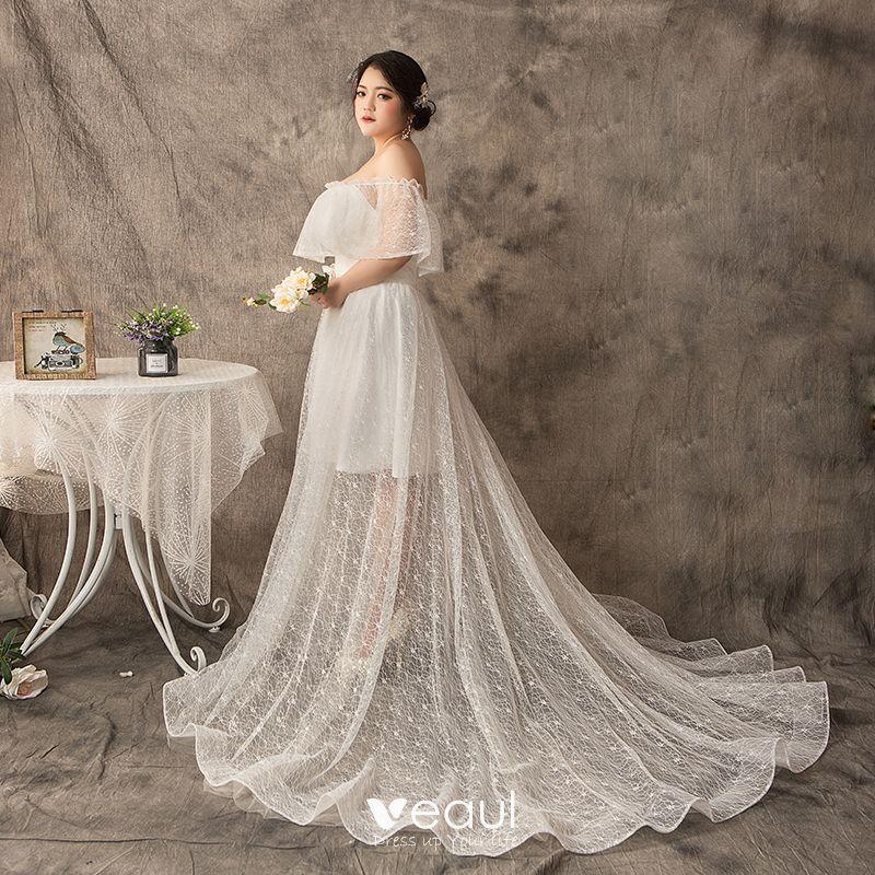 Modern / Fashion A-Line / Princess White Plus Size Wedding Dresses 2019 U-Neck Tulle Lace Appliques Backless Court Train Wedding