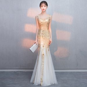 Bling Bling Gold Sequins Evening Dresses  2018 Trumpet / Mermaid V-Neck Sleeveless Floor-Length / Long Ruffle Backless Formal Dresses
