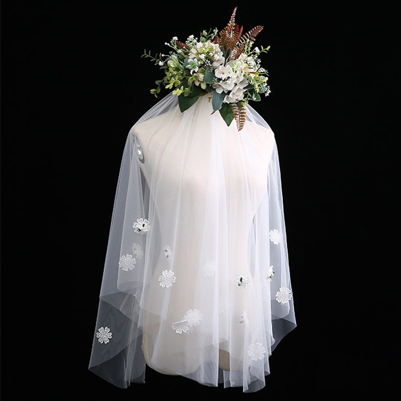 Chic / Beautiful White Short Wedding Veils Appliques Beading Flower Chiffon Wedding Accessories 2019