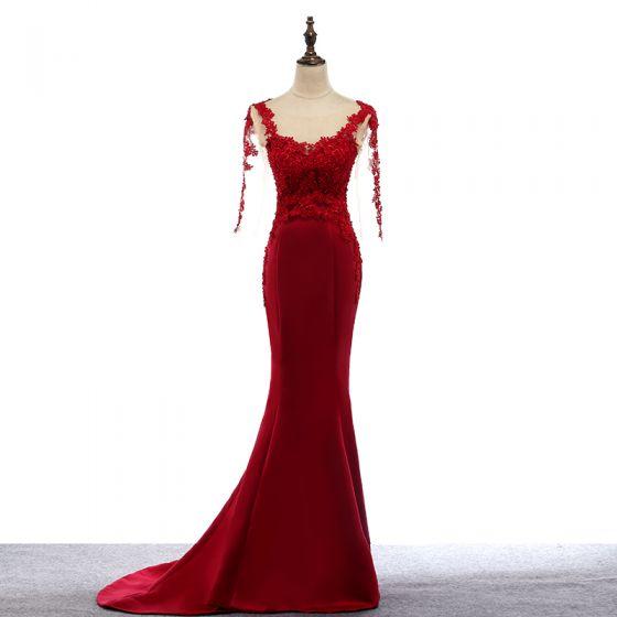 Stylowe / Modne Czerwone Sukienki Wieczorowe 2017 Wycięciem Aplikacje 3/4 Rękawy Syrena / Rozkloszowane Z Koronki Sukienki Wizytowe