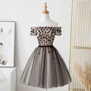 Charming Black Party Dresses 2019 A-Line / Princess Off-The-Shoulder Beading Crystal Appliques Bow Short Sleeve Backless Short Formal Dresses