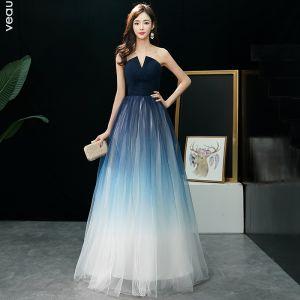 Mode Mørk Marineblå Gradient Farve Ivory Gallakjoler 2019 Prinsesse Stropløs Ærmeløs Lange Flæse Halterneck Kjoler
