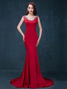 Havfrue Enkle Design Skuldre Sleeveless Røde Satin Selskapskjoler