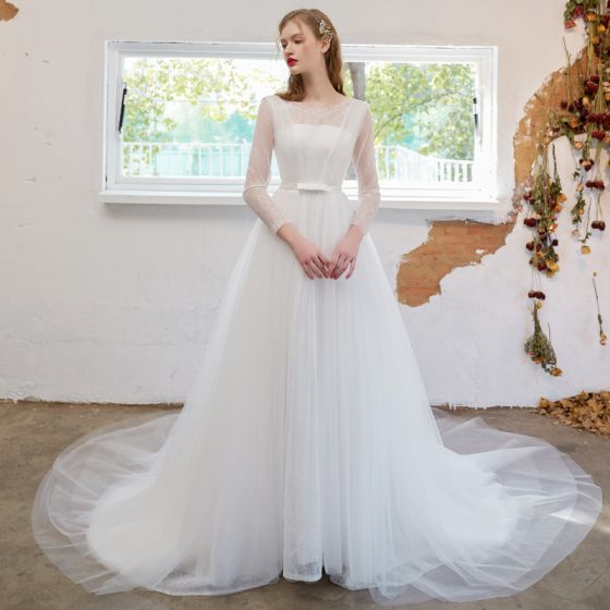 Modest / Simple Ivory Wedding Dresses 2021 A-Line / Princess Scoop Neck Bow Lace Flower Long Sleeve Court Train Wedding