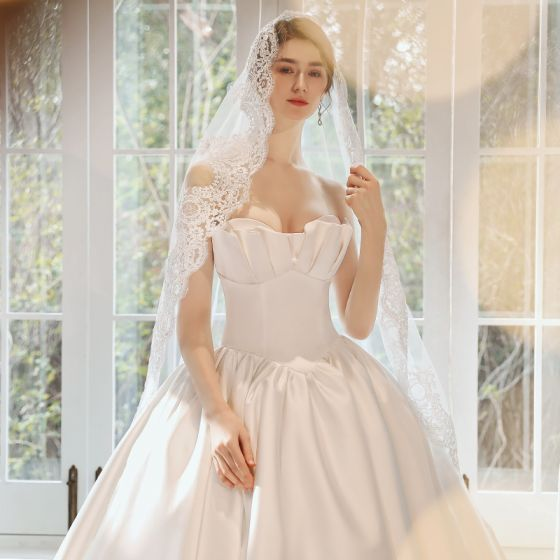 Modest / Simple White Satin Corset Wedding Dresses 2020 Ball Gown Sweetheart Sleeveless Court Train Ruffle