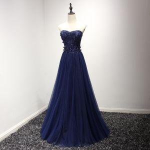 Schöne Festliche Kleider 2017 Abendkleider Tintenblau A Linie Lange Herz-Ausschnitt Ärmellos Rückenfreies Mit Spitze Applikationen Perlenstickerei