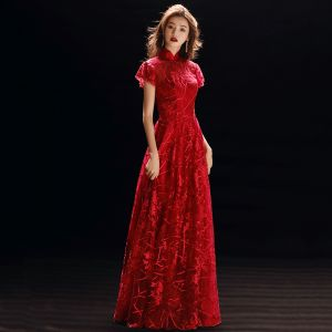 Chinese style Red See-through Evening Dresses  2019 A-Line / Princess High Neck Short Sleeve Appliques Lace Floor-Length / Long Ruffle Formal Dresses