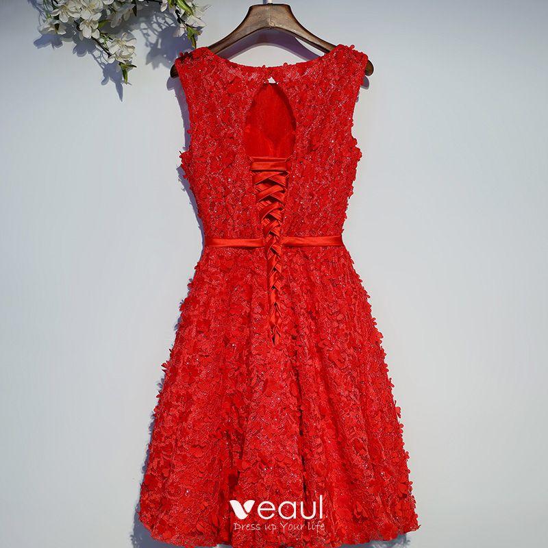 Schone Rot Festliche Kleider Abendkleider 2017 Mit Spitze Blumen Pailletten Schleife Kunstliche Blumen Gekreuzte Trager Knielang