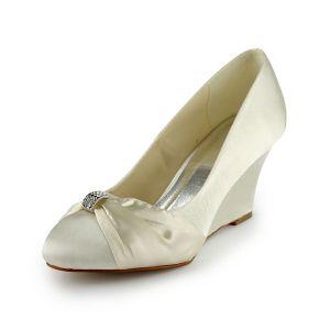 Pompes Princesse Bout Rond Milieu Coins Satin Chaussures De Mariée Avec Volant Noeud