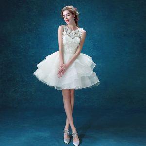 Mooie / Prachtige Witte 2018 Huwelijk A lijn U-hals Tule Appliques Ruglooze Kralen Trouwjurken