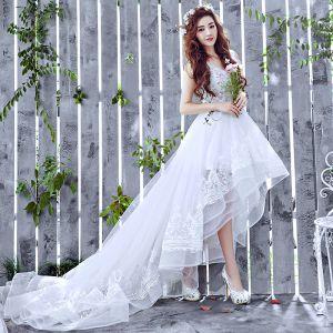 Chic / Beautiful Beach Wedding Dresses 2017 White A-Line / Princess Asymmetrical V-Neck Sleeveless Backless Lace Appliques