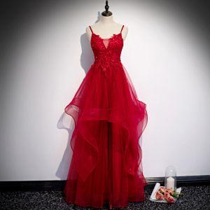 Encantador Rojo Vestidos de gala 2020 A-Line / Princess Spaghetti Straps Rebordear Crystal Lentejuelas Con Encaje Flor Sin Mangas Sin Espalda Volantes En Cascada Largos Vestidos Formales