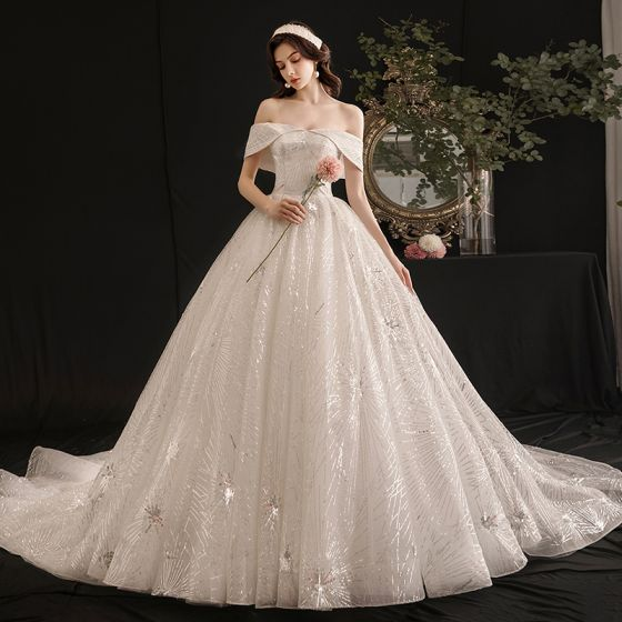 Elegancka Kość Słoniowa Suknie Ślubne 2019 Suknia Balowa Przy Ramieniu Cekiny Kótkie Rękawy Bez Pleców Trenem Królewski