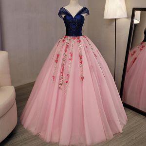 Schöne Pink Ballkleider 2018 Ballkleid Applikationen Perlenstickerei Kristall V-Ausschnitt Rückenfreies Ärmellos Lange Festliche Kleider