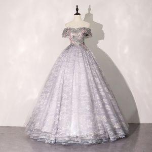 Elegantes Hada de las flores Plata Gris Vestidos de gala 2020 Ball Gown Fuera Del Hombro Rhinestone Con Encaje Flor Manga Corta Sin Espalda Largos Vestidos Formales