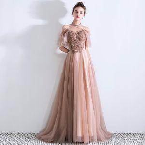 Schöne Pearl Rosa Abendkleider 2019 A Linie Spaghettiträger Kurze Ärmel Perlenstickerei Sweep / Pinsel Zug Rüschen Rückenfreies Festliche Kleider