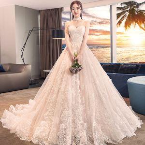 Elegante Champagner Brautkleider Ballkleid 2018 Mit Spitze Blumen Herz-Ausschnitt Rückenfreies Ärmellos Königliche Schleppe Hochzeit