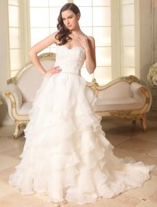 2015 A-line Sweetheart Beading Organza Wedding Dress With Cascading Ruffles
