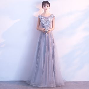 Piękne Szary Sukienki Na Bal 2017 Princessa Wycięciem Bez Rękawów Aplikacje Z Koronki Długie Bez Pleców Sukienki Wizytowe