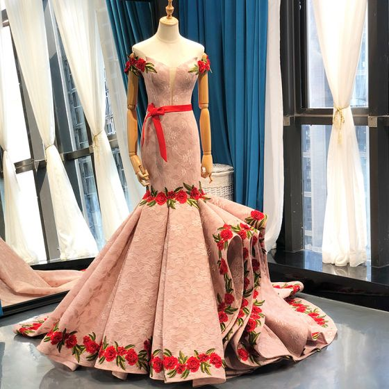 Luxury / Gorgeous Pearl Pink Lace Evening Dresses  2020 Trumpet / Mermaid Off-The-Shoulder Short Sleeve Appliques Embroidered Flower Sash Court Train Ruffle Backless Formal Dresses