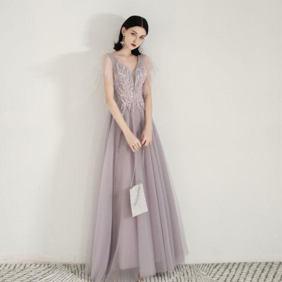 Snygga / Fina Lavendel Aftonklänningar 2019 Prinsessa V-Hals Beading Paljetter Spets Blomma Korta ärm Halterneck Långa Formella Klänningar