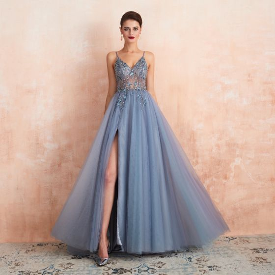 Wysokiej Klasy Seksowne Błękitne Przezroczyste Sukienki Wieczorowe 2020 Princessa Spaghetti Pasy Bez Rękawów Frezowanie Podział Przodu Trenem Sweep Wzburzyć Bez Pleców Sukienki Wizytowe