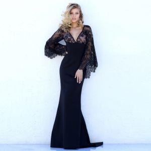 Sexy Noire Transparentes Robes longues 2018 Trompette / Sirène V-Cou Manches Longues Appliques En Dentelle Train De Balayage Dos Nu Vêtements Femme