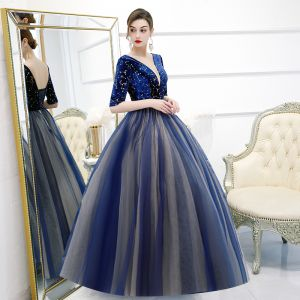 Classic Royal Blue Prom Dresses 2020 Ball Gown Deep V-Neck 1/2 Sleeves Star Embroidered Floor-Length / Long Ruffle Backless Formal Dresses
