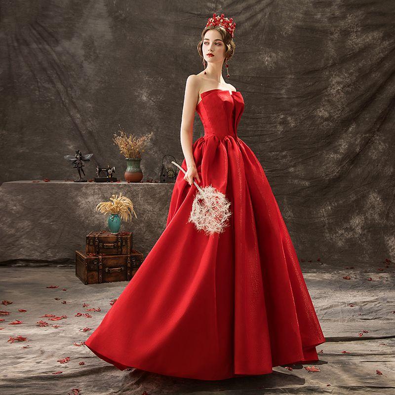 Audrey Hepburn-stijl Effen kleur Rode Galajurken 2019 A lijn Strapless Mouwloos Ruglooze Rechter Trein Gelegenheid Jurken