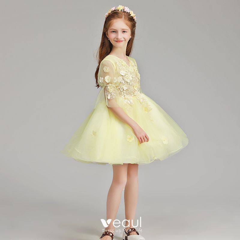 Hermoso Amarillo Vestidos Para Niñas 2019 A Line Princess V Cuello 12 ærmer Apliques Con Encaje Flor Perla Cortos Ruffle Vestidos Para Bodas