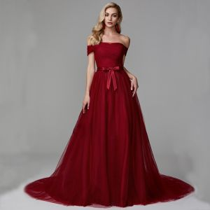 Chic / Beautiful Burgundy Evening Dresses  2020 A-Line / Princess Off-The-Shoulder Tulle Backless Strappy Court Train Cocktail Party Evening Party Formal Dresses