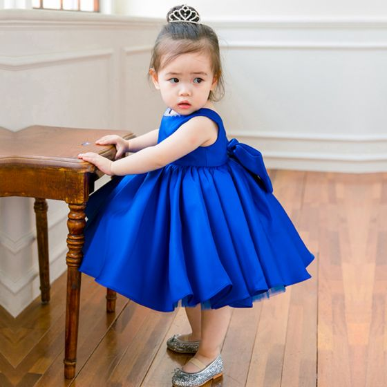 Lovely Royal Blue Satin Birthday Flower Girl Dresses 2020 Ball Gown Scoop Neck Sleeveless Bow Beading Short Wedding Party Dresses