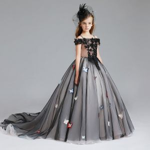 Chic / Beautiful Black Flower Girl Dresses 2017 Ball Gown Off-The-Shoulder Short Sleeve Appliques Lace Pearl Rhinestone Butterfly Court Train Ruffle Wedding Party Dresses