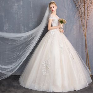 Modern / Fashion Champagne Wedding Dresses 2018 Ball Gown Beading Lace Flower Scoop Neck Backless Short Sleeve Floor-Length / Long Wedding