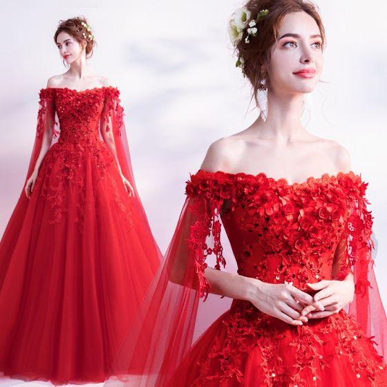 Abordable Rouge Robe De Mariée 2019 Princesse De l'épaule Perlage Paillettes Appliques En Dentelle Fleur Manches Courtes Dos Nu Watteau Train
