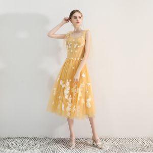 Hermoso Amarillo de fiesta Vestidos de graduación 2019 A-Line / Princess Escote Cuadrado Con Encaje Flor Sin Mangas Sin Espalda Té De Longitud Vestidos Formales