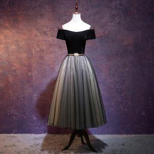 Chic / Belle Noire Robe De Bal 2018 Robe Boule Ceinture Daim De l'épaule Dos Nu Manches Courtes Thé Longueur Robe De Ceremonie