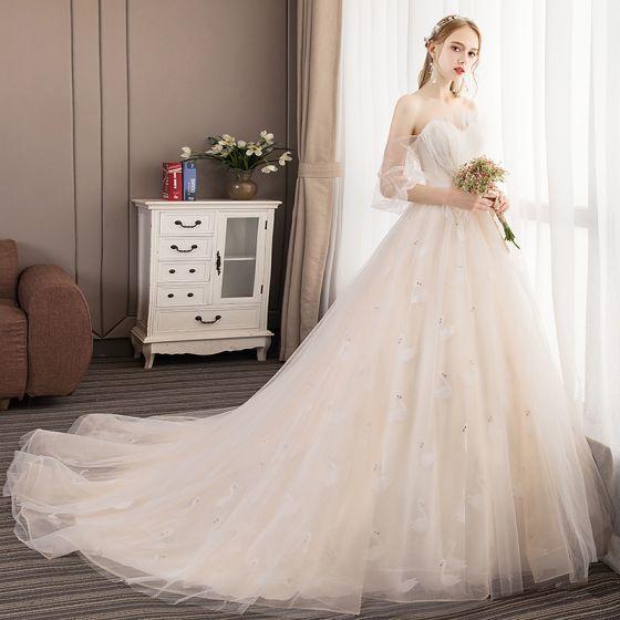Elegant Champagne Brudekjoler 2019 Prinsesse Strapless Beading Perle Blonder Korte Ermer Ryggløse Domstol Tog