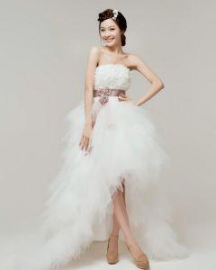 Satin Spitze Mit Perlen Blume Trägerlose Abgestufte Asymmetrische Länge High Low Kurz Brautkleider Mini