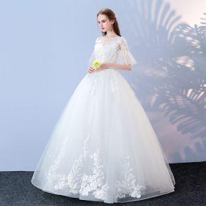 Asequible Blanco Vestidos De Novia 2017 Ball Gown V-Cuello 1/2 Ærmer Sin Espalda Apliques Con Encaje Lentejuelas Perla Largos