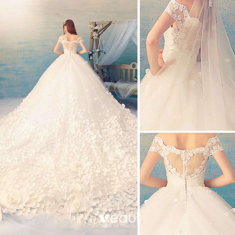 Stunning Ivory See-through Wedding Dresses 2019 Ball Gown Off-The-Shoulder Short Sleeve Appliques Flower Cathedral Train Ruffle